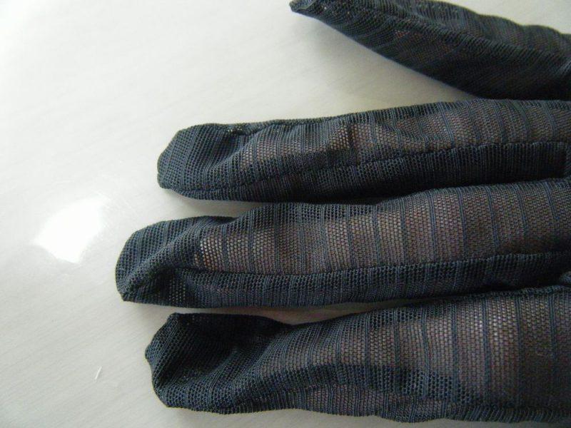 大き過ぎな手袋のイメージ