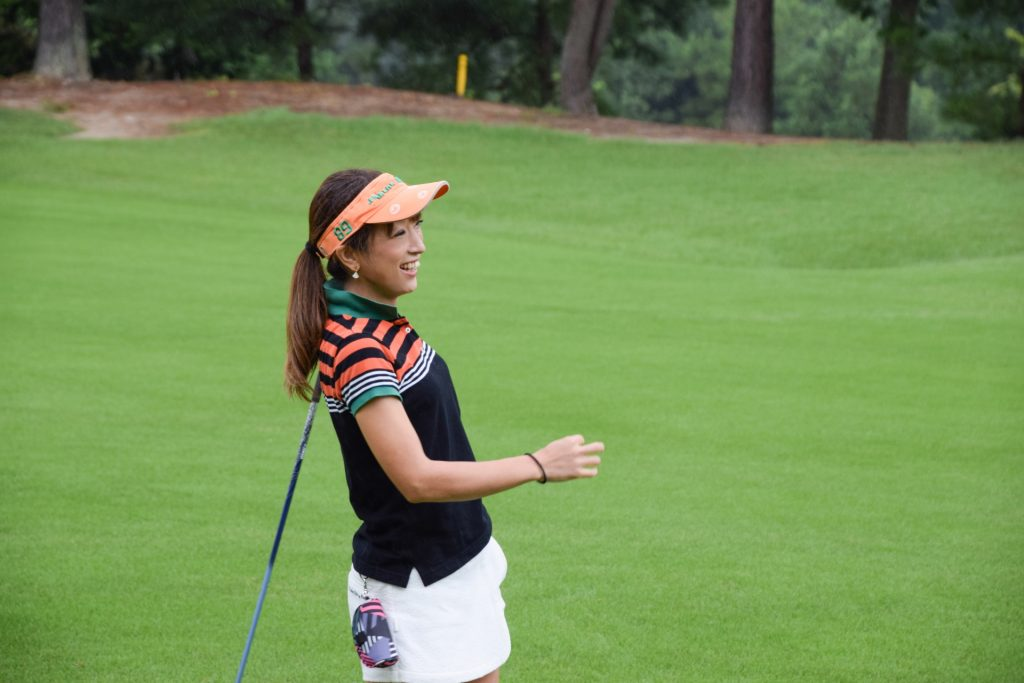 ゴルフにサンバイザーのイメージ