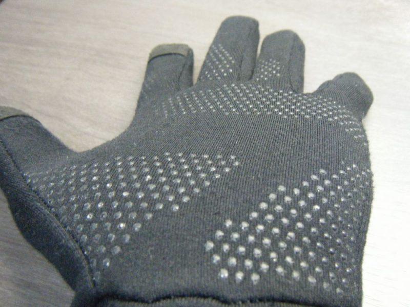 手に平のシリコン加工イメージ