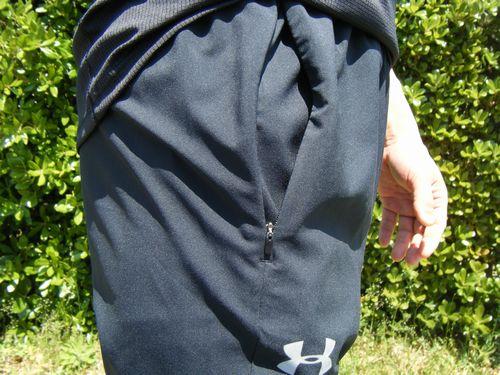 アンダーアーマーのロングパンツ1319681のポケットイメージ