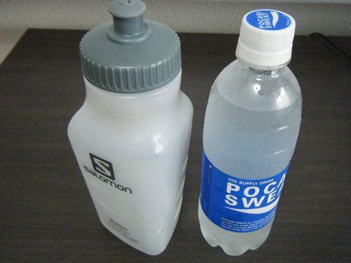 ボトルとポカリスエットのイメージ