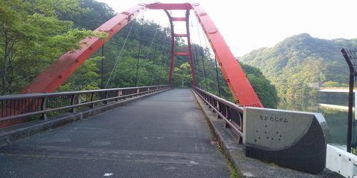 ダムに架かる橋のイメージ