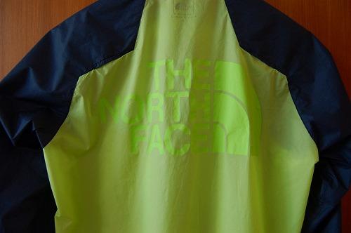 ノースフェイス インパルスレーシングジャケットの背面ロゴイメージ