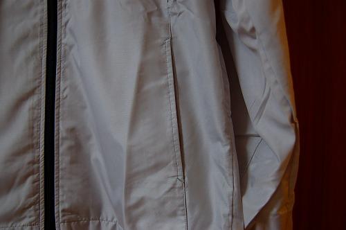 ミズノ トレーニングウェア ウィンドブレーカー 32JE8015のハンドポケットイメージ