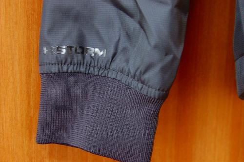 アンダーアーマー フィールド ハウス ジャケット1345405の袖口イメージ