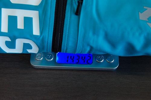 デサントウインドブレーカージャケット DRMQJF30の重量イメージ