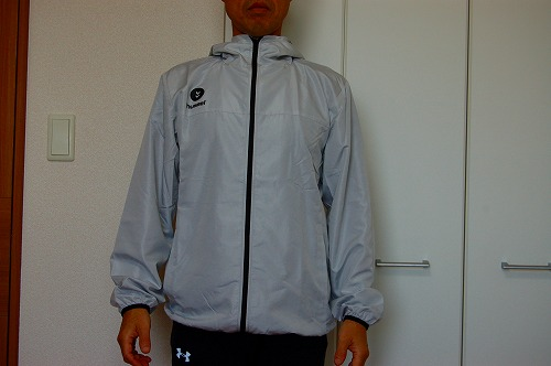 ヒュンメル パーカー M's HAORIを着た前面イメージ