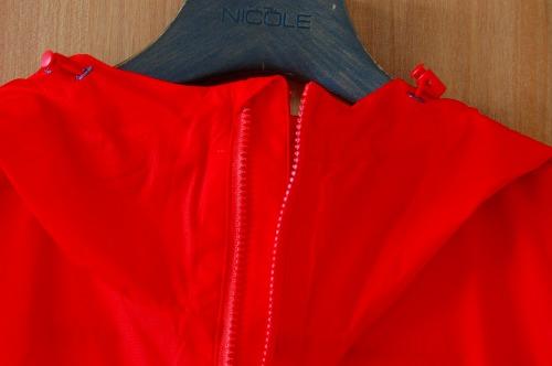 マムートウインドブレーカーグライダージャケットのフロントジッパーイメージ