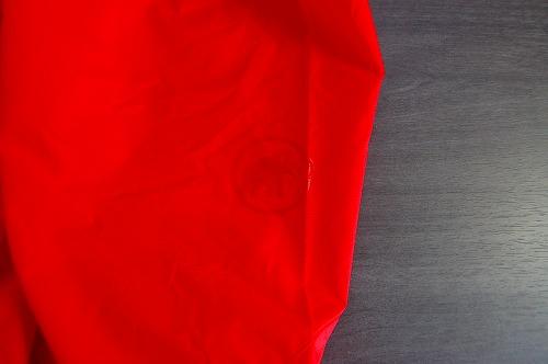 マムートウインドブレーカーグライダージャケット腕のリフレクター イメージ