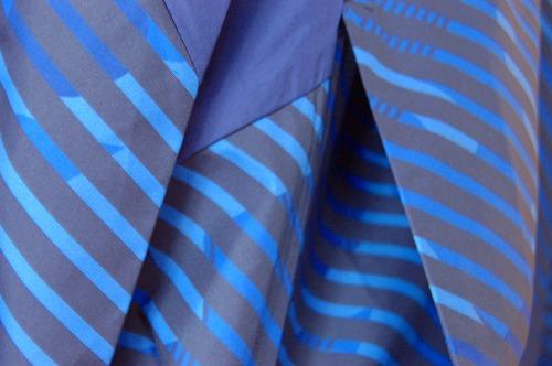 アシックス グラフィックウーブンジャケットのハンドポケットイメージ