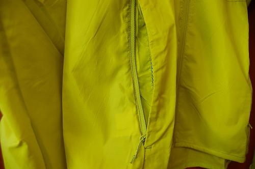 サロモン アジャイル ウインド ジャケットのジッパー式ハンドポケットイメージ