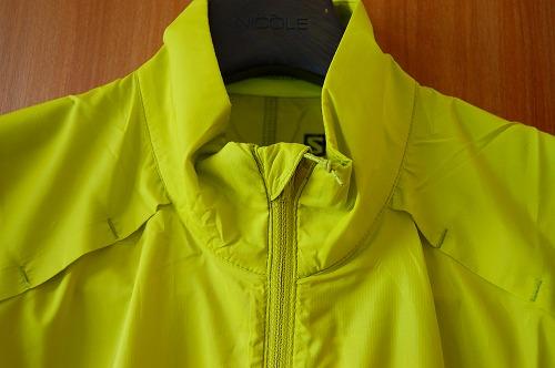 サロモン アジャイル ウインド ジャケットのフロントジッパーのフラップイメージ