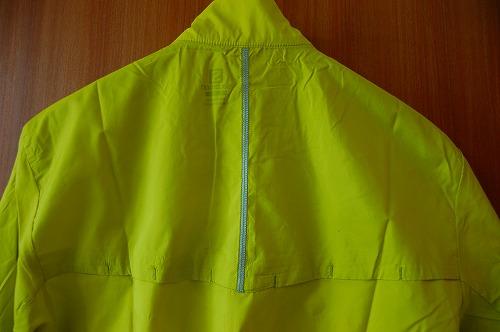 サロモン アジャイル ウインド ジャケットの背面リフレクターイメージ