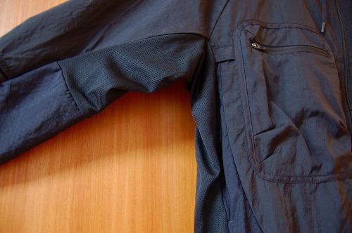 ナイキ フルジップフーディ PX ジャケットの側面メッシュイメージ