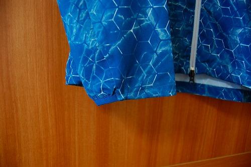 オークリー SKULL MARBLE GEO HYBRID JACKETの袖口イメージ