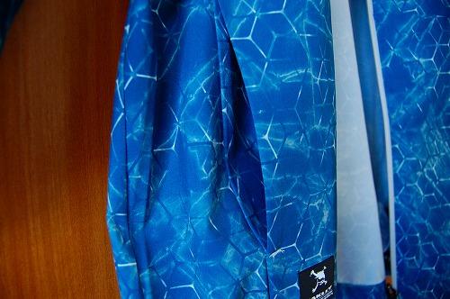 オークリー SKULL MARBLE GEO HYBRID JACKETのハンドポケットイメージ