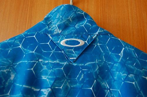 オークリー SKULL MARBLE GEO HYBRID JACKETの背面イメージ