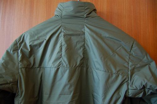 サロモン OUTRACK Insulated Jacket Men (アウトラック インサレーテッド) LC1395700の背面イメージ